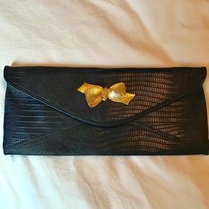 LILLY PULITZER | Navy Clutch with Gold Bow